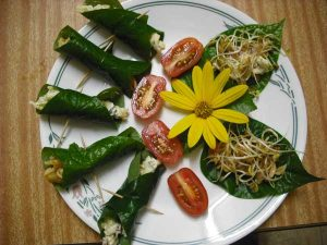 Betel leaf wraps for a snack